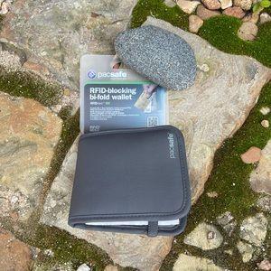 Pacsafe RFID blocking bi-fold wallet. RFID-Tec 100